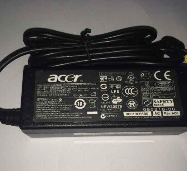 Acer 19V 1.58A laptop charger